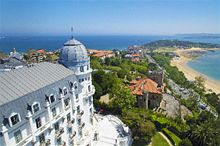 Aerial shot of the Hotel Real and beach in Santander